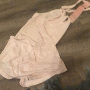 Dry fit tank gently used